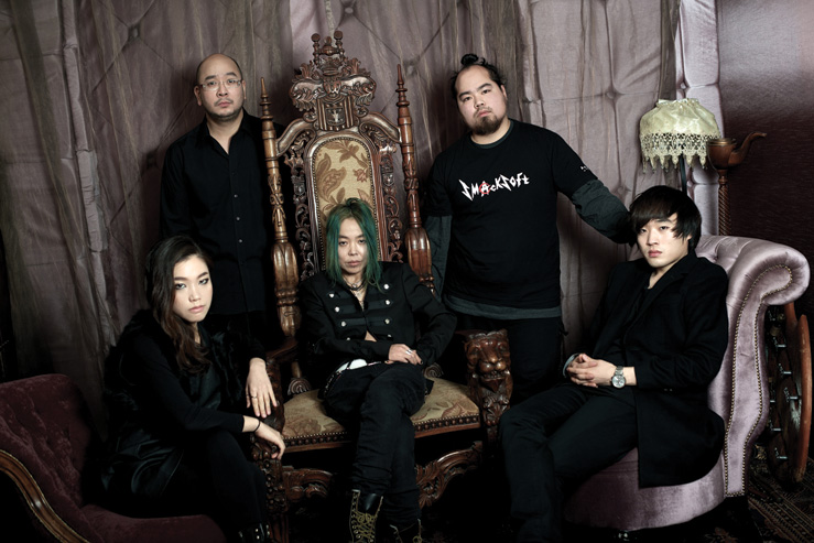KoreAm Journal has a story on SmackSoft and our upcoming American concerts!